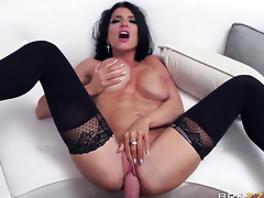 Romi Rain is on the edge of nirvana with Keiran Lees sturdy love wand in her bush