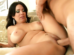 Manuel Ferrara uses his sturdy snake to make blowjob addict Sienna West happy