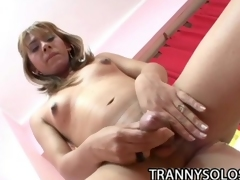 Carolina: Gorgeous Tranny Pleasuring Her Penis